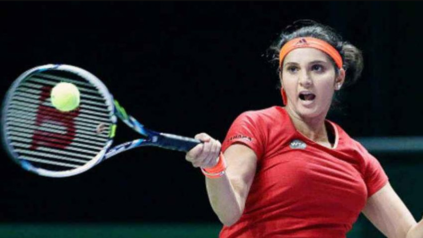 Sania returns to tennis after becoming a mother